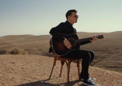 Un ex-membre du boys band  One Direction tourne son nouveau clip dans le désert marocain