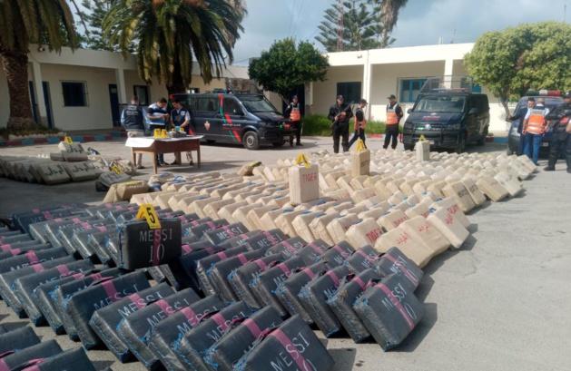 Démantèlement d'un réseau criminel de trafic de drogues et d'immigration clandestine