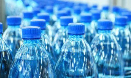 COVID-19: 1 million de bouteilles d'eau Sidi Ali offertes chaque semaine aux hôpitaux