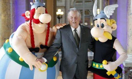 """Albert Uderzo, le dessinateur d'""""Astérix"""", est mort à l'âge de 92 ans"""