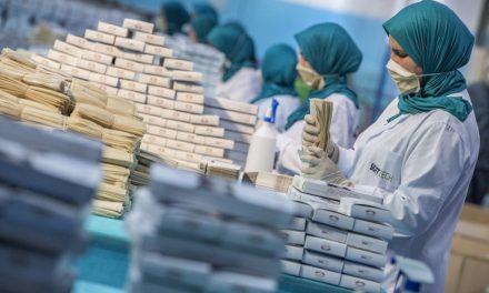 Coronavirus: comment le Maroc a mobilisé son industrie pour produire 7 millions de masques par jour