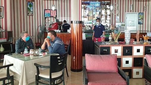 CONFINEMENT: A Dakhla, les clients des cafés et restaurants renouent avec les terrasses