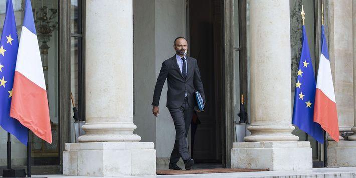Démission du gouvernement français