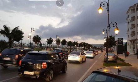 Embouteillages après l'annonce de l'interdiction de quitter ou d'entrer à Tanger, Casablanca, Marrakech et 5 autres villes