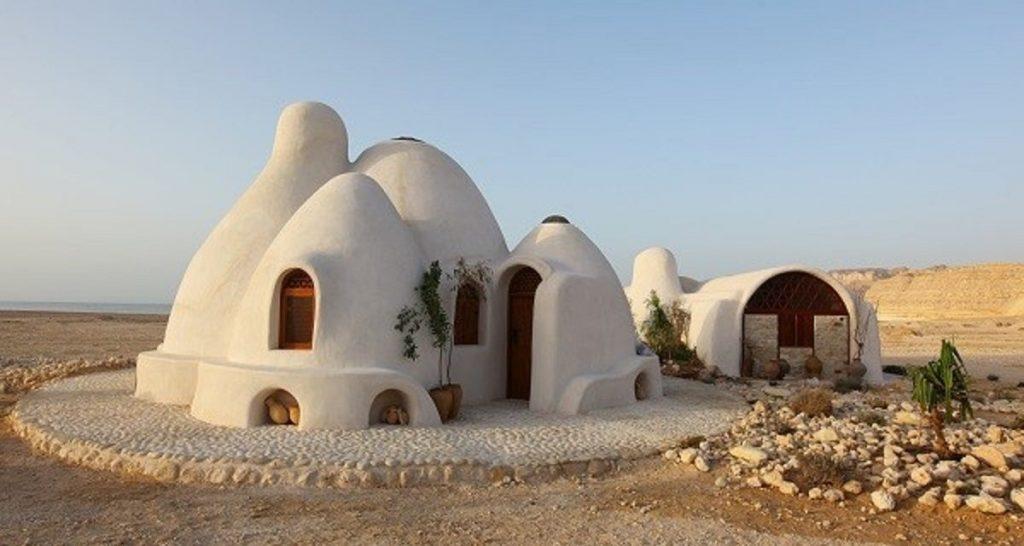 LES ÉCO-DÔMES: maisons éco-responsables au Maroc 1