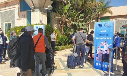 Les premiers touristes étrangers reviennent à Agadir
