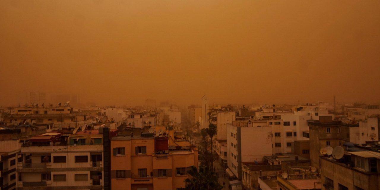 violente tempête de poussière à Casablanca