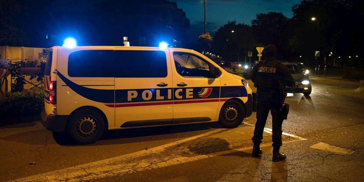 Enseignant décapité près de Paris: neuf personnes interpellées