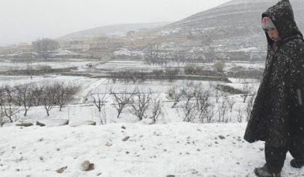 Chutes de neige, temps froid et fortes rafales de vent de mercredi au samedi dans plusieurs provinces