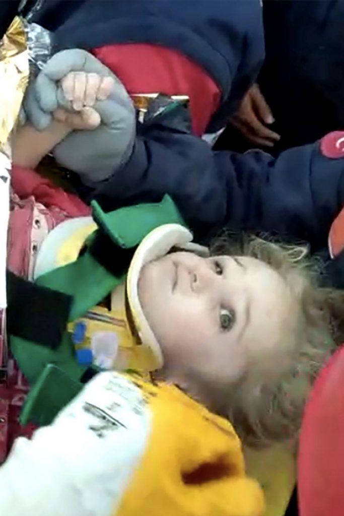Séisme en Turquie : Elif, 3 ans, sauvée après 65 heures sous les décombres 1