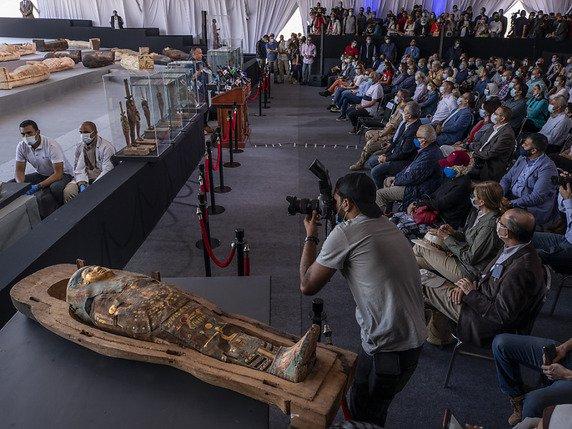 Nouvelle découverte exceptionnelle d'une centaine de sarcophages en Égypte 1