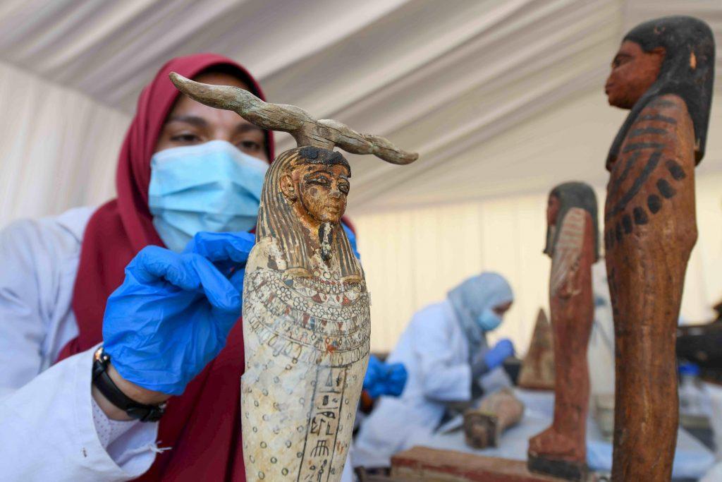 Nouvelle découverte exceptionnelle d'une centaine de sarcophages en Égypte 2