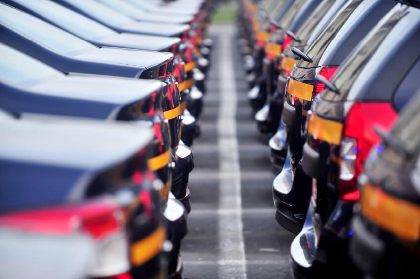 Automobile: Les ventes en chute de 22,3% à fin novembre