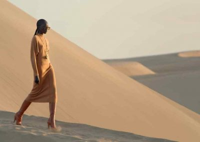 Yves Saint-Laurent nous emmène dans le désert marocain pour sa collection printemps-été 2021