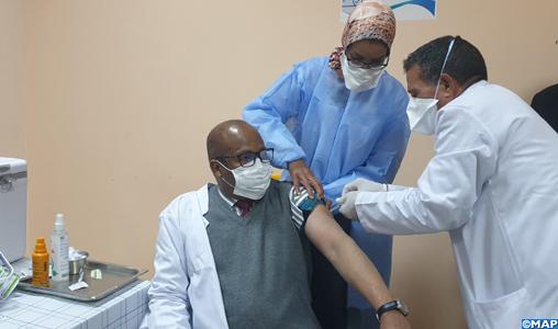 Guelmim: Début de la campagne de vaccination contre la Covid-19