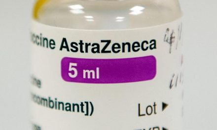 Le régulateur européen approuve le vaccin AstraZeneca à partir de 18 ans