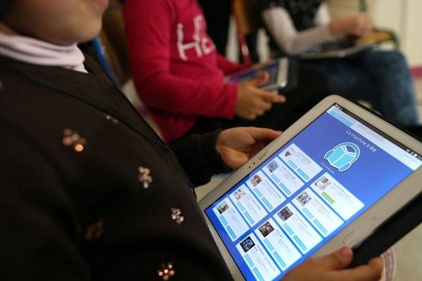 Rabat-Salé-Kénitra:  Distribution de tablettes aux élèves du rural