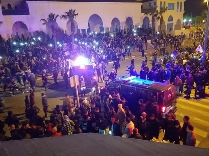 Fnideq: les autorités dispersent un sit-in non autorisé, tenu en violation de l'état d'urgence