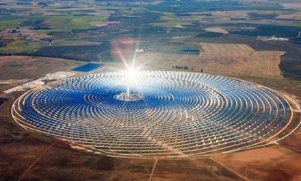 la centrale solaire Noor Ouarzazate alimente 2 millions de Marocains
