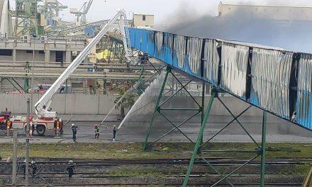 incendie d'UN CONVOYEUR DE L'OCP mais rapidement maitrisé à Jorf Lasfar