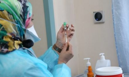 covid-19: 526 cas testés positifs, 4.236.386 personnes vaccinées