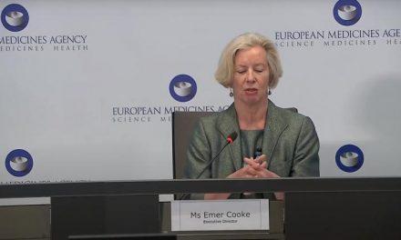 """Le régulateur européen juge le vaccin AstraZeneca """"sûr et efficace"""""""