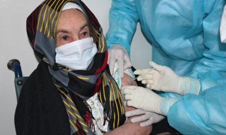 la Santé appelle à ne pas se rendre aux centres de vaccination sans rendez-vous