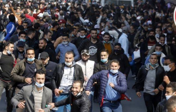 Rabat: interpellation du suspect qui frappait des enseignants lors d'une manifestation