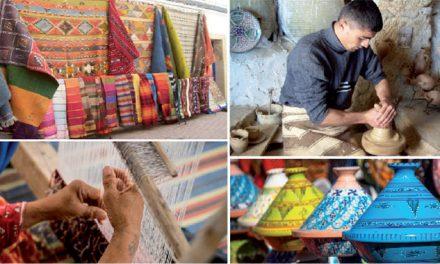 Opération de vente d'articles d'artisanat dans les centres commerciaux