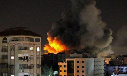 Pluie mortelle de roquettes sur Tel-Aviv, frappes musclées d'Israël sur Gaza