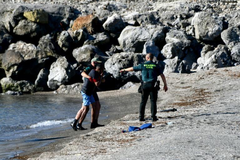 Plus de 80 migrants arrivent à la nage à Sebta