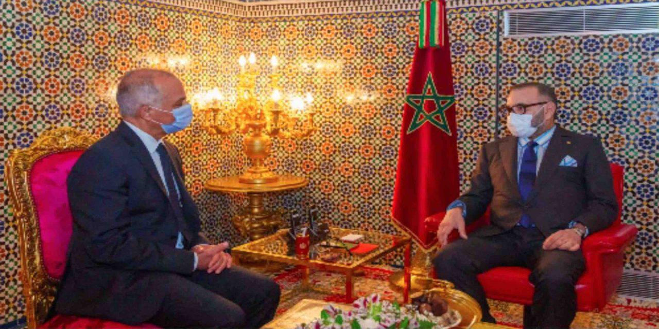 Chakib Benmoussa présente au Roi Mohammed VI le rapport de la CSMD