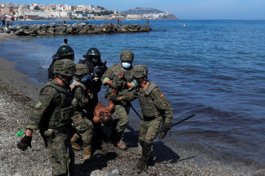 La crise à Ceuta laisse des images choquantes 2