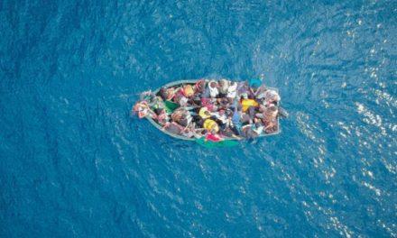 Plus de 1.400 migrants arrivent sur l'île italienne de Lampedusa