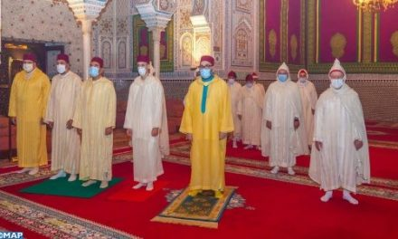 le Roi Mohammed VI commémore Laylat Al-Qadr bénie