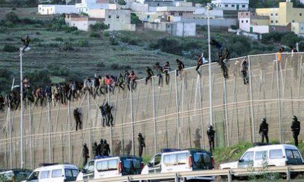 150 migrants tentent d'entrer À Melilla