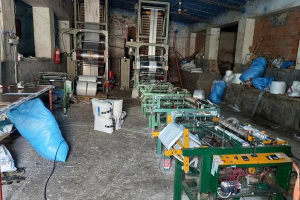 Une unité clandestine de SACS EN PLASTIQUE démantelée à Nouaceur, 18,6 tonnes saisies