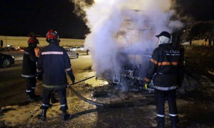 Un incendie ravage plusieurs véhicules dans la fourrière communale de Sidi Othmane