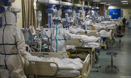 L'OMS alerte sur une pandémie « à deux vitesses » et « dans une phase très dangereuse »