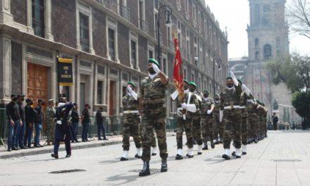 Un détachement des FAR prend part au traditionnel défilé militaire en commémoration de l'indépendance du Mexique
