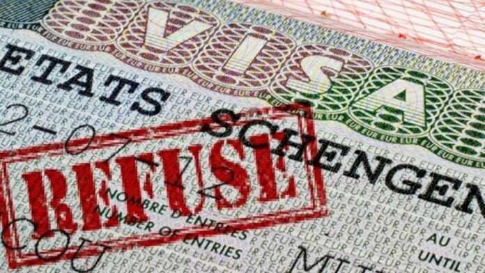LA FRANCE DURCIT L'OCTROI DES VISAS POUR LES TUNISIENS, LES MAROCAINS ET LES ALGÉRIENS